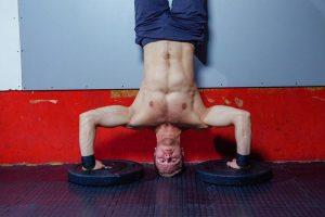 Rutina-de-ejercicios-con-la-pared-de-tu-casa
